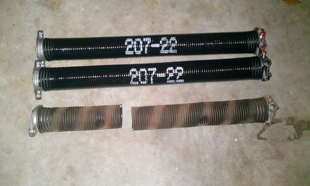 New 207x2x22 Torsion Springs