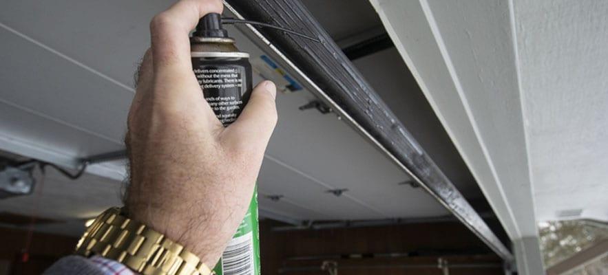 Prepare Your Garage Door for the Winter
