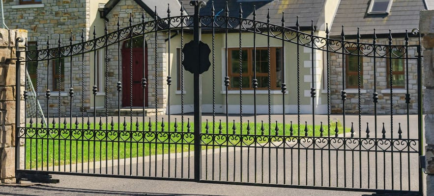 5 Benefits of A Home Security Gate